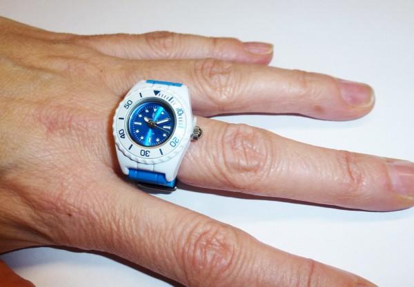 Crystal Blue Ringuhr Blau-weiss Quarzwer...