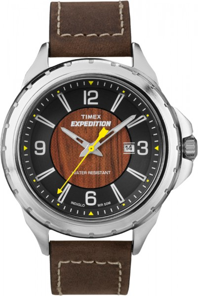 Timex Herrenuhr Modell: T49908 Rugged Field Wood  Diese sportliche Uhr hat ein genaues Quarzwerk, silber poliertes hochwertiges Edelstahlgehäuse mit 43 mm Durchmesser, einer Datumsanzeige und einem weichen braunen Echtlederband. Das besondere Zifferblatt